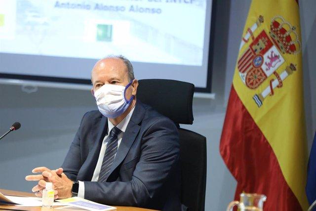 El ministro de Justicia, Juan Carlos Campo, durante el acto de presentación de la Guía para el Uso Forense del ADN. En Madrid, (España), a 4 de noviembre de 2020. Esta guía tiene como finalidad facilitar el conocimiento del uso forense del ADN a los profe