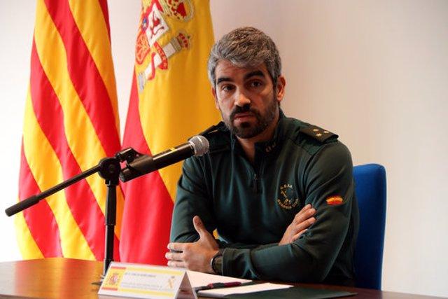 Pla mitjà del capità Carlos Núñez, cap del Grup Central d'Activitats Subaquàtiques de la Guàrdia Civil, en roda de premsa a Tarragona el 13 de novembre del 2020. (Horitzontal)