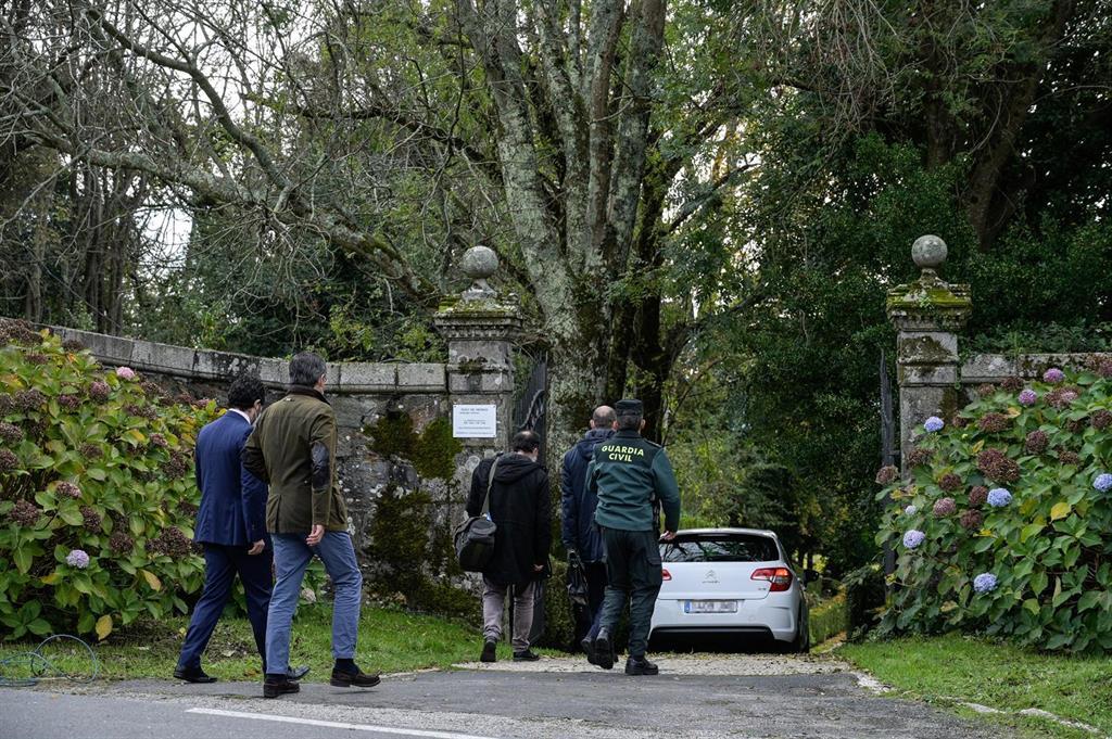 Los Franco piden posponer la entrega del pazo de Meirás y se oponen a que se les impida retirar bienes