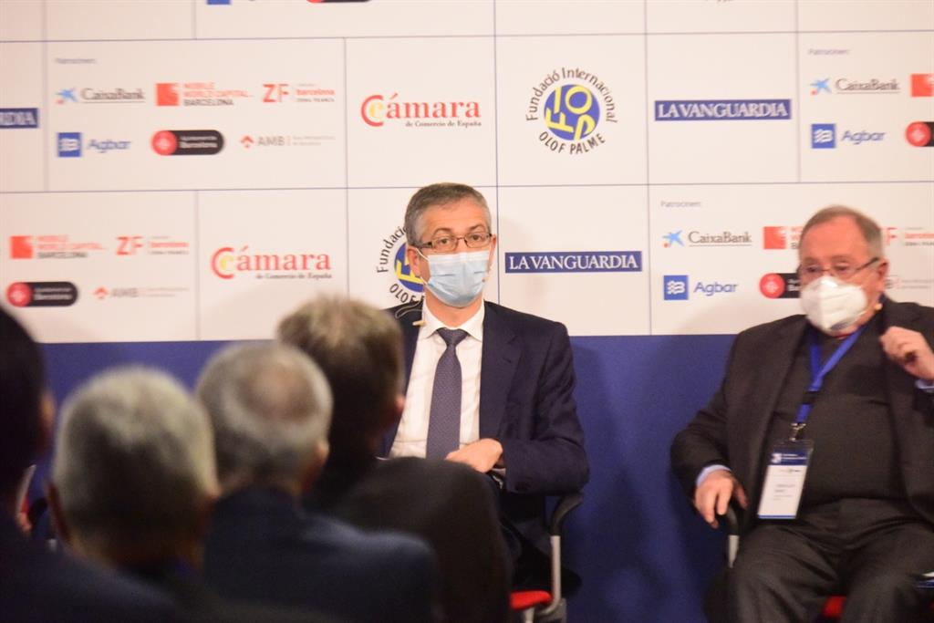 El gobernador del Banco de España defiende mantener la restricción de dividendos en la banca