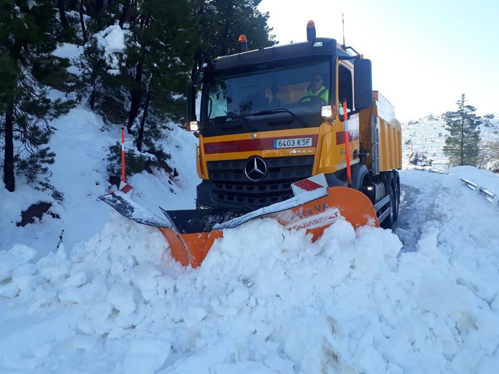 Más de 1.460 quitanieves velarán por garantizar la normalidad durante el invierno en la red de carreteras españolas
