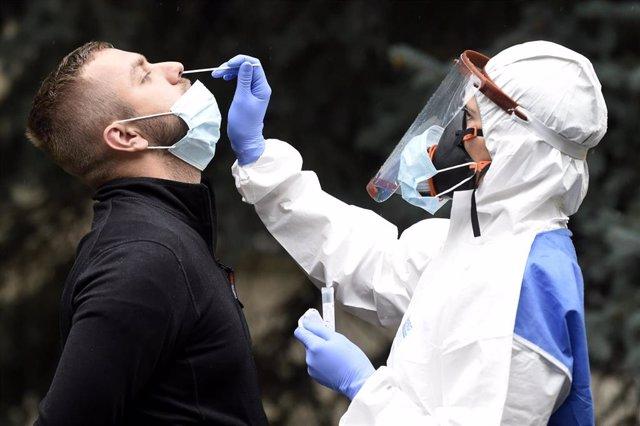 Una prueba de coronavirus en República Checa