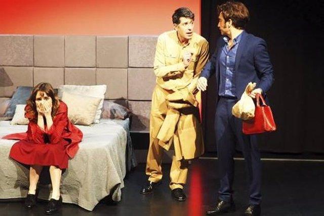 Escena de la obra 'Noches de hotel', que llega al Gran Teatro de Cáceres