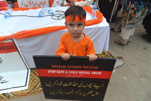 Protesta contra la violación infantil en Pakistán
