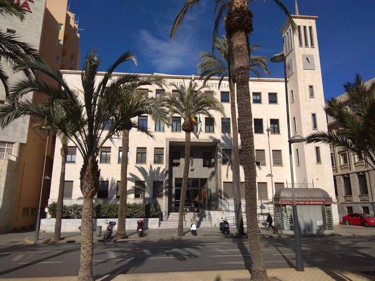 A juicio en Almería acusado de menudear con MMDA, cocaína y marihuana en los accesos al Dreambeach