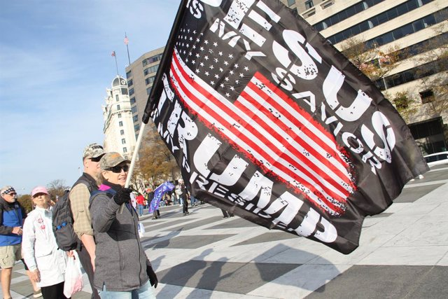 """14 November 2020, US, Washington: Supporters of US President Trump take part in a protest at Freedom Plaza under the slogan """"Make America Great Again"""" (MAGA) to demonstrate against the alleged manipulation of election results. Photo: Niyi Fote/TheNEWS2 vi"""
