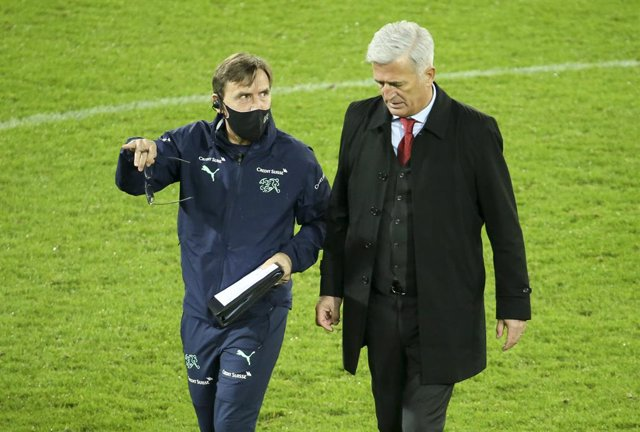 Coach of Switzerland Vladimir Petkovic and his assistant coach Antonio Manicone (left) during the international friendly football match between Belgium and Switzerland on November 11, 2020 at King Power at Den Dreef Stadion in Leuven, Louvain, Belgium - P