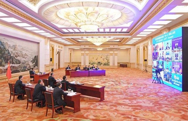 El primer ministro chino, Li Keqiang, en la última ronda de negociaciones del tratado comercial de Asia Pacífico.