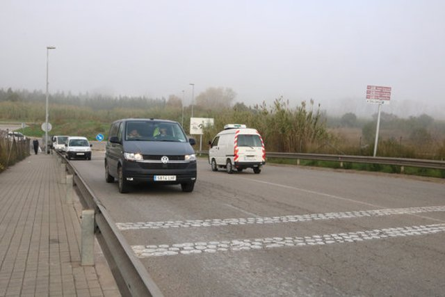 Circulació de vehicles al darrer tram de la ronda sud, fins a la carretera de Llançà, el 13 de novembre del 2020. (Horitzontal)