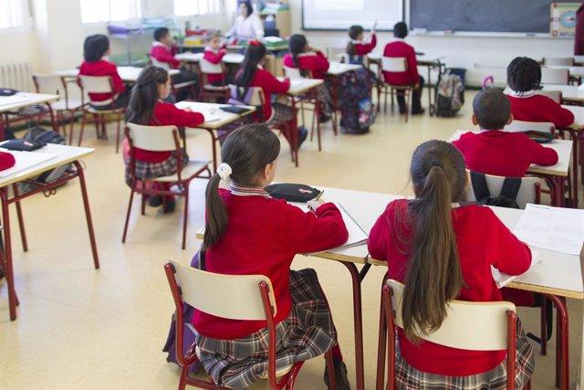 Imagen de recurso de niños en clase.