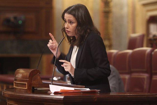 La presidenta de Ciudadanos,  Inés Arrimadas, intervé al Congrés dels Diputats.