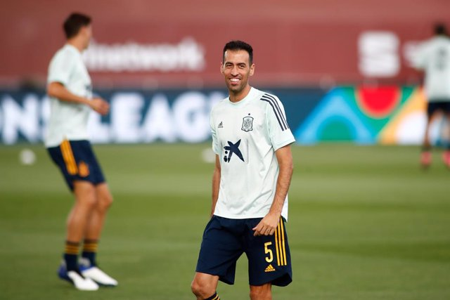 Sergio Busquets of Spain warms up during the Nations League football match played between Spain and Ukraine at Alfredo Di Stefano stadium on september 06, 2020 in Valdebebas, Madrid, Spain.