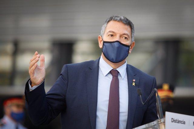 El consejero de Interior de la Generalitat de Catalunya, Miquel Sàmper,.
