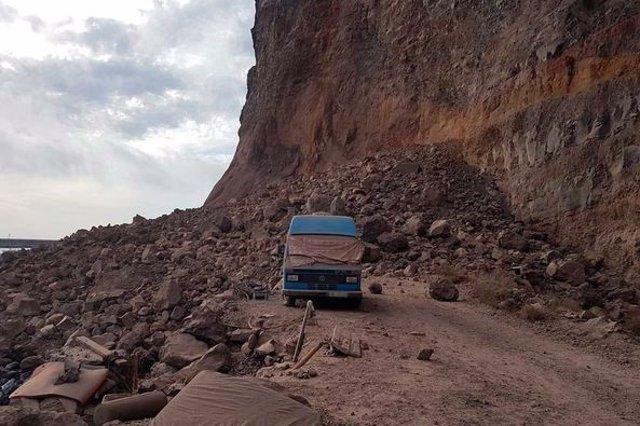 Desprendimiento en la playa de Argaga, en Vallehermoso