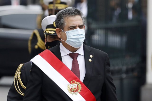 10 November 2020, Peru, Lima: President of Congress Manuel Merino (C)walks outside the Congress building after being sworn-in as Peru's new president, replacing Martin Vizcarra who was removed by lawmakers. Photo: Mariana Bazo/ZUMA Wire/dpa