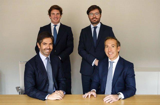 Borja Oria, Mariano Villalonga, Pedro Afán de Ribera e Ignacio Marqués del Pecho, de Arcano