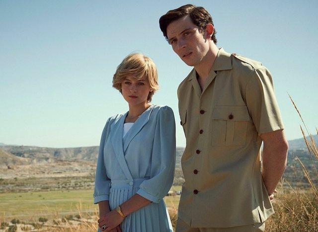 Lady Di y el príncipe Carlos en The Crown