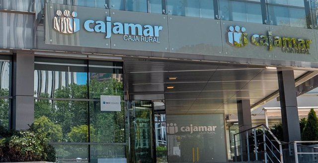 Sede de BCC. Oficina Grupo Cooperativo Cajamar. Caja Rural.