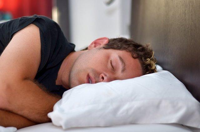 Hombre, dormir