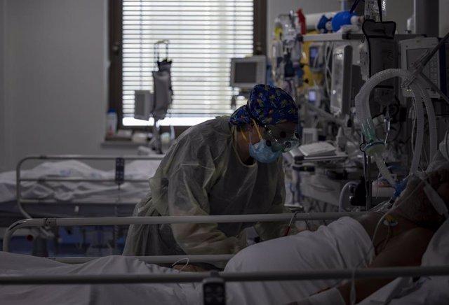 Unidad de Cuidados Intensivos (UCI) dedicada a enfermos de coronavirus del Hospital Universitario Ramón y Cajal