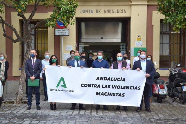 [Sevilla] Pie De Foto, Foto Y Audio Deleg Gobierno Junta Sevilla: Concentración Por El Asesinato De Una Vecina De Palomares Del Río