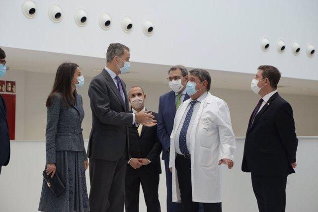 Los reyes de España Letizia y Felipe VI durante la inauguración del nuevo Hospital Universitario de Toledo, en Castilla-La Mancha (España).