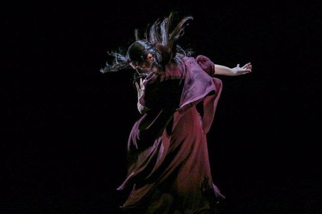 La bailaora y coreógrafa de flamenco María Pagés durante el pase gráfico de la obra 'Paraíso de los negros' en los Teatros del Canal, en Madrid (España), a 14 de octubre de 2020.