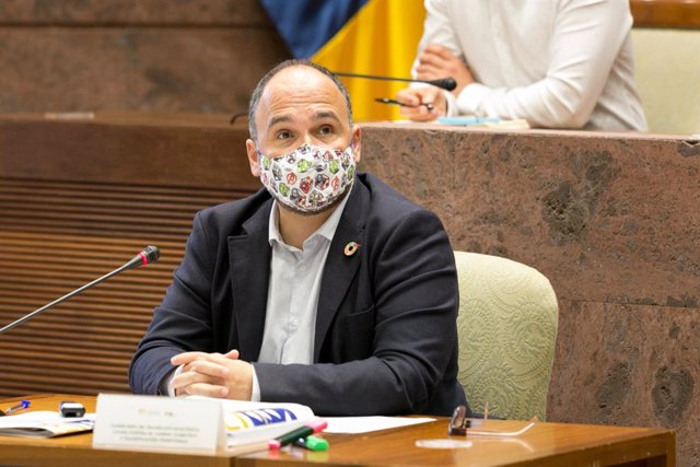 El consejero de Transición Ecológica, Lucha contra el Cambio Climático y Planificación Territorial del Gobierno de Canarias, José Antonio Valbuena