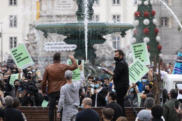 Protestas contra las restricciones por el coronavirus en Lisboa