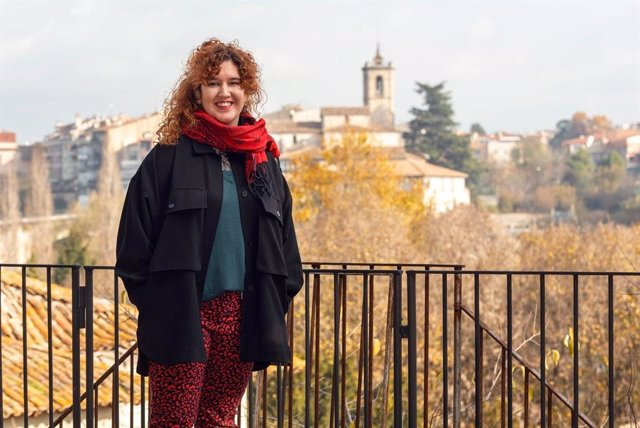 La poetessa Raquel Santanera, guanyadora del 36è premi de poesia Miquel Martí i Pol