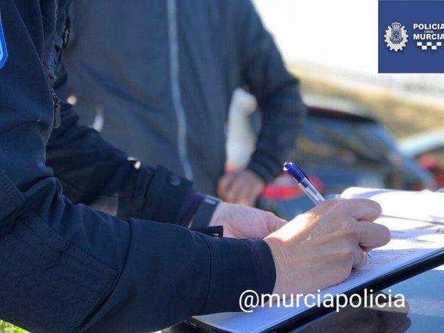 Sucesos.- Denunciados 11 aparcacoches en Murcia y detenido uno de ellos por infringir la Ley de Extranjería