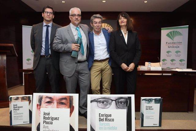 Imagen de archivo de la entre de uno de los premios Unicaja de Novela Fernando Quiñones