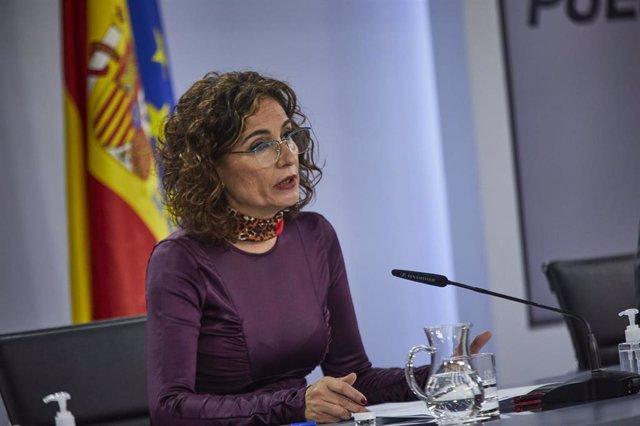 La ministra portavoz y de Hacienda, María Jesús Montero, durante una rueda de prensa para informar de los acuerdos adoptados en el Consejo de Ministros del día, en La Moncloa, Madrid, (España), a 10 de noviembre de 2020.