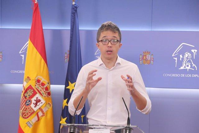 El líder de Más País, Íñigo Errejón, interviene durante la rueda de prensa posterior a la reunión de la Junta de Portavoces en el Congreso de los Diputados, en Madrid (España), a 27 de octubre de 2020.