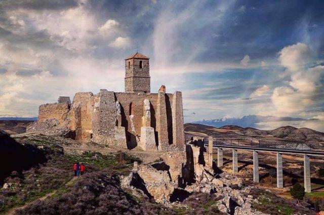 Castillo de Rodén, en el municipio de Fuentes de Ebro