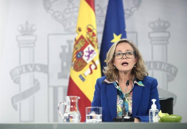 La vicepresidenta y ministra de Asuntos Económicos y Digitalización, Nadia Calviño, comparece en rueda de prensa posterior al Consejo de ministros en Moncloa, Madrid (España), a 17 de noviembre de 2020. En esta reunión el Gobierno ha aprobado la extensión