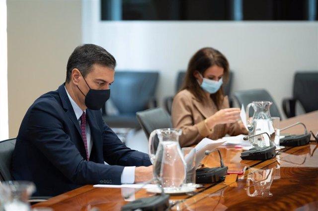 El presidente del Gobierno, Pedro Sánchez, preside la reunión del Comité de Seguimiento del Coronavirus, en el Complejo de la Moncloa, Madrid (España), a 16 de noviembre de 2020.