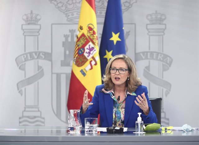 La vicepresidenta y ministra de Asuntos Económicos y Digitalización, Nadia Calviño, comparece en rueda de prensa posterior al Consejo de ministros en Moncloa, Madrid (España).