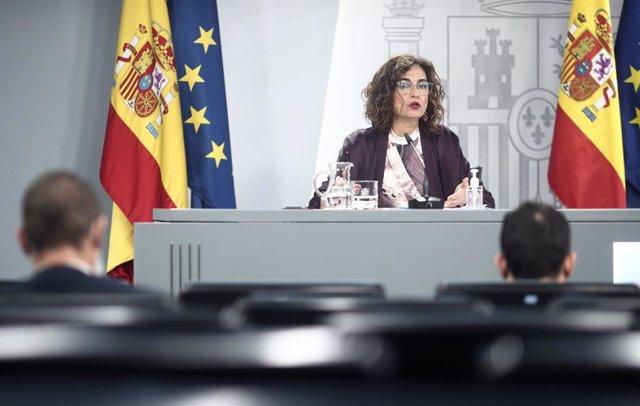 La ministra Portavoz y de Hacienda, María Jesús Montero, comparece en rueda de prensa posterior al Consejo de ministros en Moncloa, Madrid (España), a 17 de noviembre de 2020.