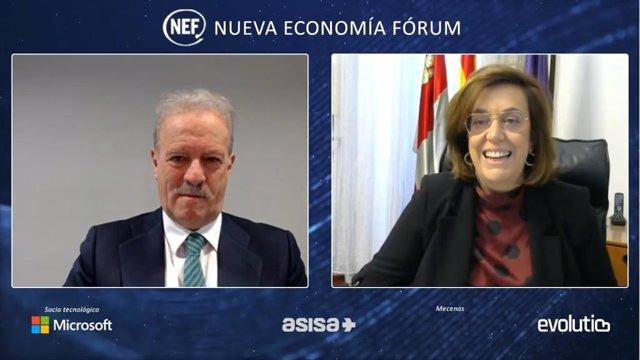 Armisén, durante su intervención con el periodista Manuel Campo Vidal.