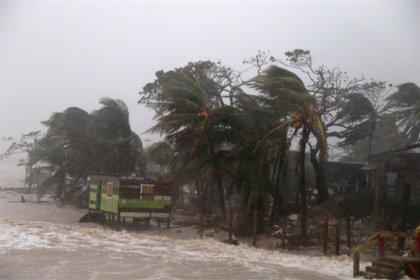 AMP.- Clima.- 'Iota' se degrada a tormenta tropical y continúa su avance hacia Honduras, El Salvador y Guatemala