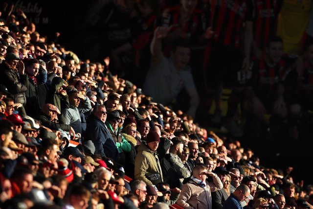 01 February 2020, England, Bournemouth: Fans are pictured in the stands during the English Premier League soccer match between AFC Bournemouth and Aston Villa FC at Dean Court. Photo: Mark Kerton/PA Wire/dpa