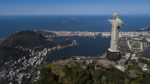 09 August 2020, Brazil, Rio de Janeiro: A general view of the statue of Christ the Redeemer, the main tourist spot in Rio de Janeiro, which continues to be closed to visitors since the end of March 2020 amid the devastating coronavirus pandemic, to which