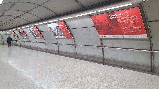 Exposicion de Cruz Roja en Metro Bilbao
