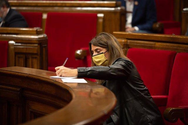 La consellera de Presidència i portaveu del Govern, Meritxell Budó, aquest dimecres en la sessió de control al Govern del ple del Parlament.