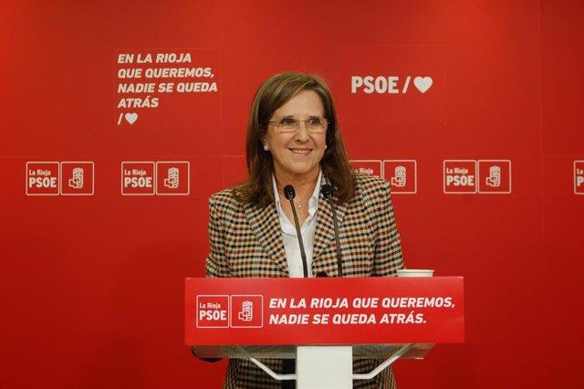 La diputada regional del PSOE, Teresa Villuendas, en comparecencia de prensa