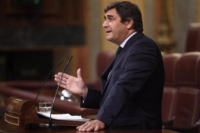 El diputado del Partido Popular, José Ignacio Echániz, interviene en una sesión plenaria en el Congreso de los Diputados, en Madrid (España), a 10 de septiembre de 2020. En el pleno de hoy, el Congreso debate, entre otras cuestiones, el acuerdo sobre la c