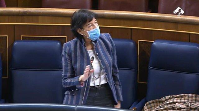 La ministra d'Educació i FP, Isabel Celaá, en el ple del Congrés d'aquest dimecres 18 de novembre