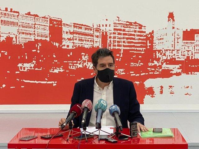 El vicesecretario general del PSdeG, Pablo Arangüena, en la rueda de prensa ofrecida este miércoles en A Coruña