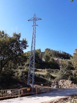 Endesa cierra una anilla eléctrica en Montesquiu (Barcelona) para reforzar el servicio en la localidad
